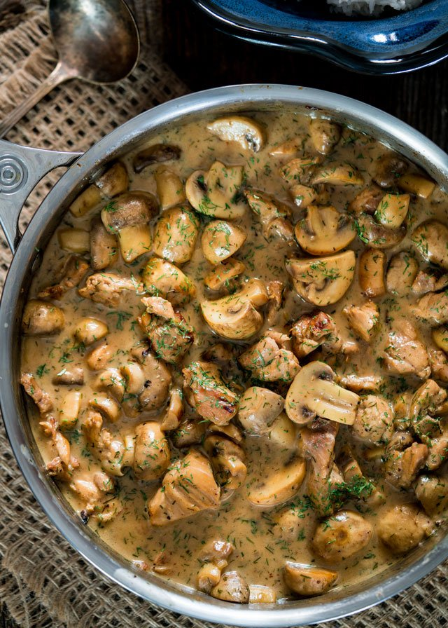Chicken and Mushrooms in Creamy Dill Sauce